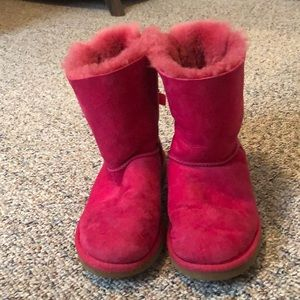 Used pink bailey bow uggs size 4